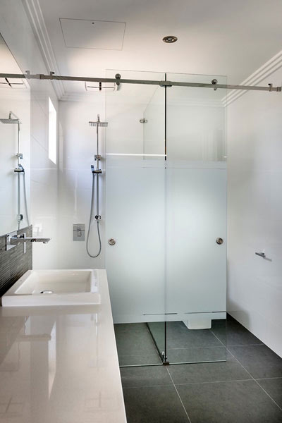 BATHROOM PRIVACY SCREENS